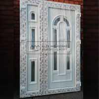 6 +3 ablakos ablakosztás nélküli bejárati ajtó - 138x208cm,Érdeklődni: 06(30) 311 9610 vagy 06(30) 537 6957